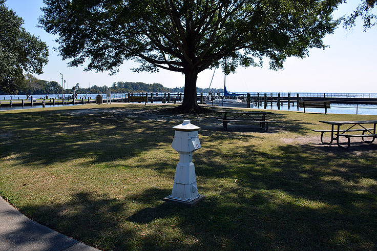 Waterfront picnic tables at Colonial Park, Edenton, NC